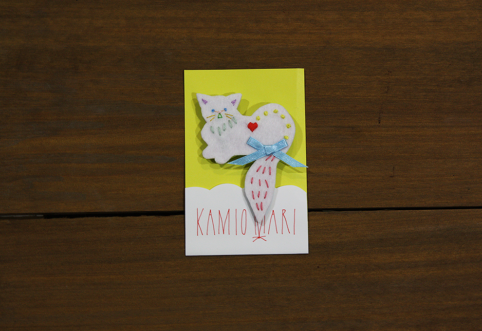 神尾茉利 KAMIO Mari 手作刺繡 小白猫胸針02